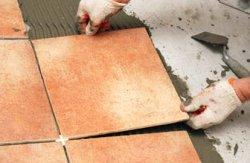 Как качественно уложить плитку