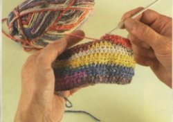 Как вязать разноцветной пряжей, чтобы избежать образования одноцветных участков