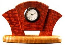 Настольные часы в стиле Арт Деко