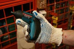 Аккумуляторная отвертка для работ на даче