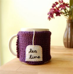 Оригинальный подарок себе или близким - грелочка для чашки