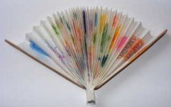 Красочный веер из бумаги