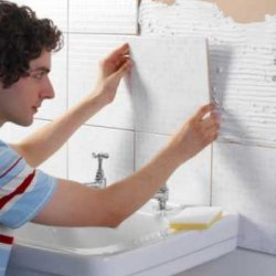 Оклейка керамической плитки в ванной комнате