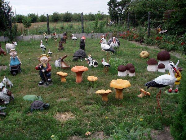 Для сада и огорода фигурки своими руками фото