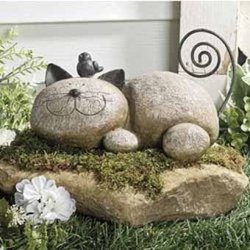 Бетонный кот для сада