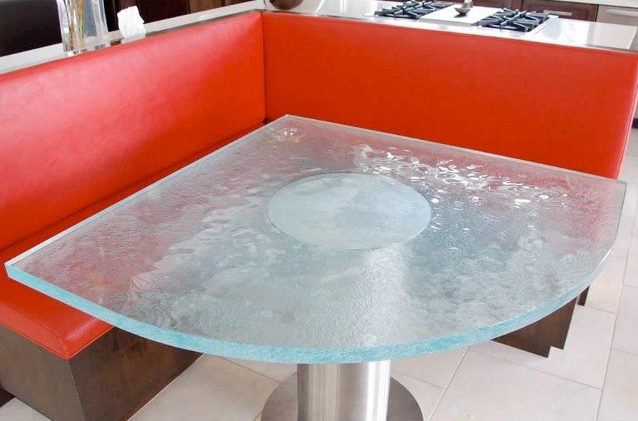 Угловой кухонный стол: стоит ли покупать?.