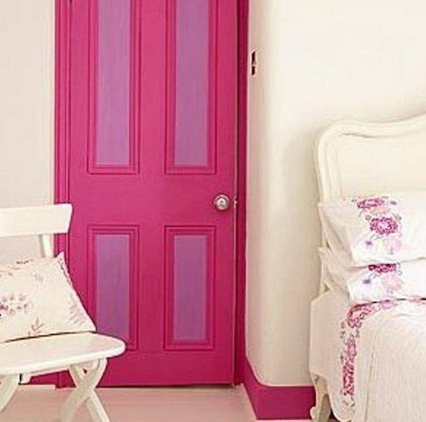 Как перекрасить темные двери в светлый цвет