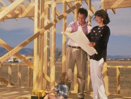 Самостоятельное строительство деревянного дома. За и против