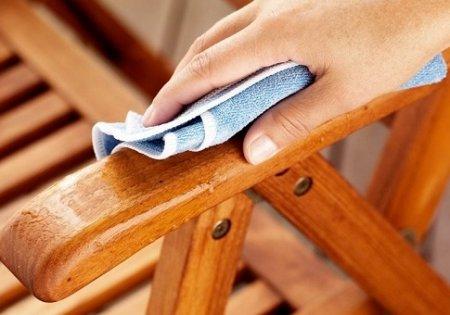 Особенности ухода за мебелью из дерева