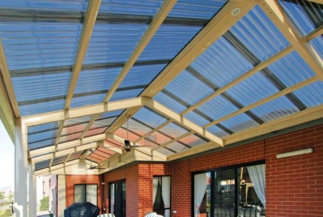 Прозрачный шифер для крыши Salux