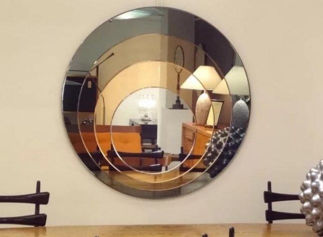 Как вписать в интерьер цветные зеркала