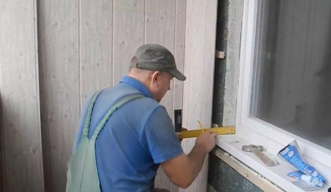 Как провести облицовку стен на лоджии пластиковыми панелями