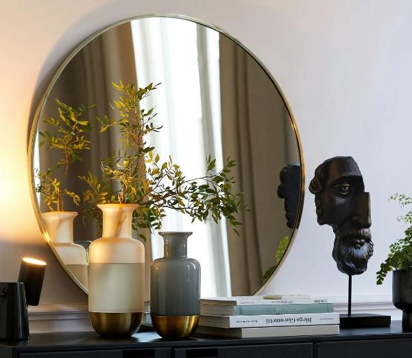 Использование зеркала в интерьере